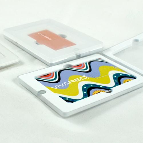 Confezione in plastica trasparente per USB card