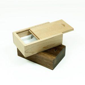 Confezioni in legno di acero e noce per chiavi usb