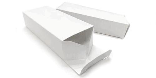 Confezione per power banks in cartoncino bianco e personalizzabile con logo / Vivared.it Chiavi USB - Power Banks - Lanyards - Borracce - Prodotti promozionali personalizzati